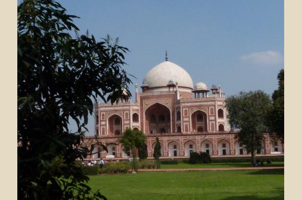 Many sights of Delhi
