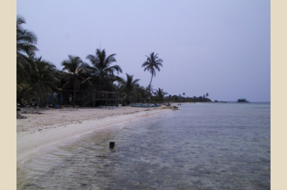 Relax at the beach on Southwater Caye