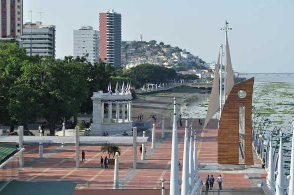 Explore Guayaquil and the lovely waterfront Malecon
