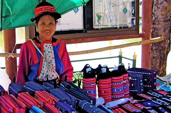 Lisu woman at night market
