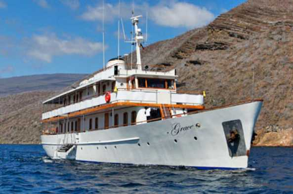 The M/Y Grace, your home for the week